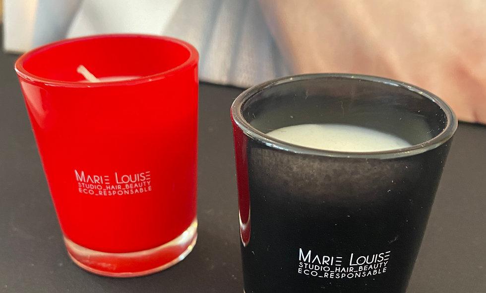 Petite bougie parfumée ( musc) noire ou rouge