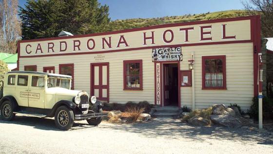 Historic Gig at Historic Hotel