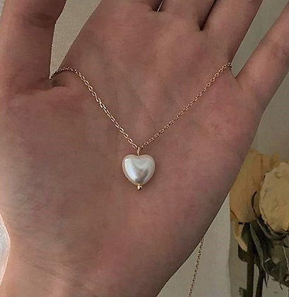 Elegant Pearl Heart Pearl Necklace