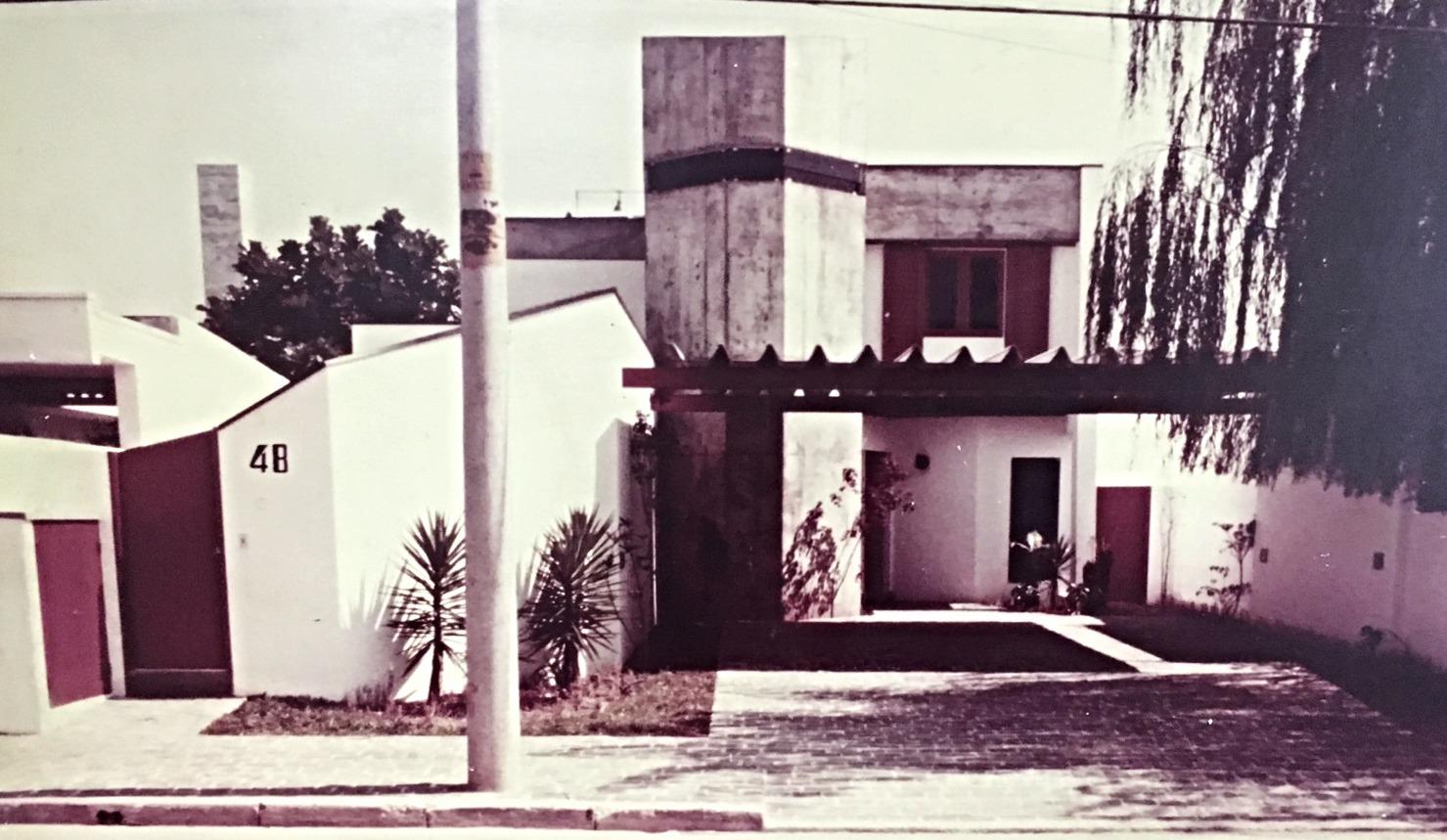 Residência R.A.