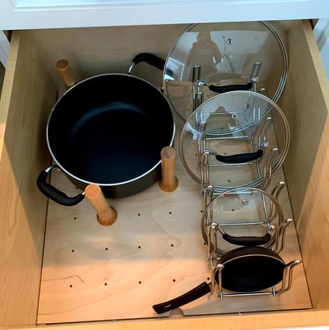 Pots and Lid Storag
