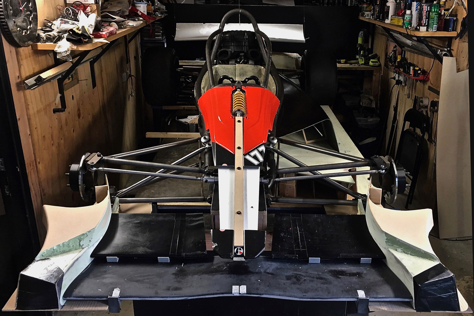 HX1R-mock-up-front-mod-2500.jpg