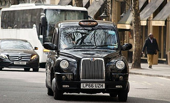 taxi-4166426_640.jpg