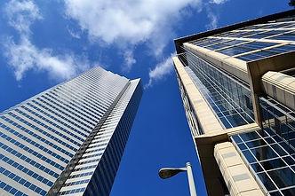 skyscraper-3196390_640.jpg