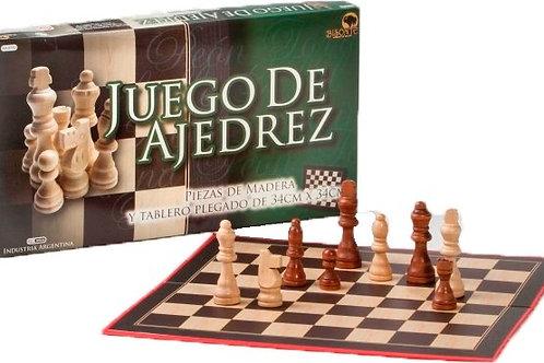 Juego De Ajedrez Piezas plasticas Tablero 34 Cm Bisonte