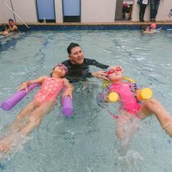 Kicking into the weekend _hawthornswimclinic _#iswimatmarystreet #learntoswim #swimminglessons #kids