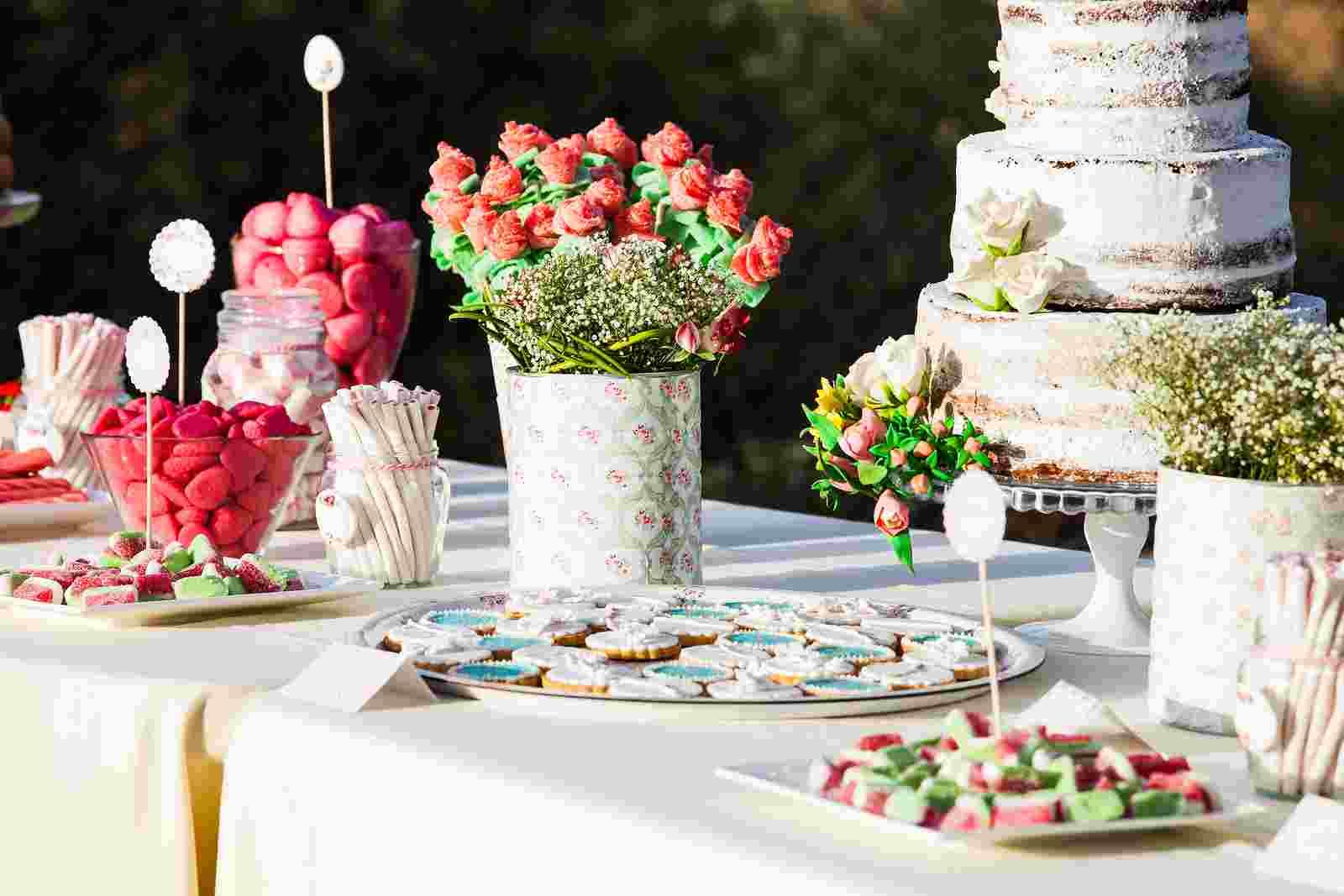 dessert table 33