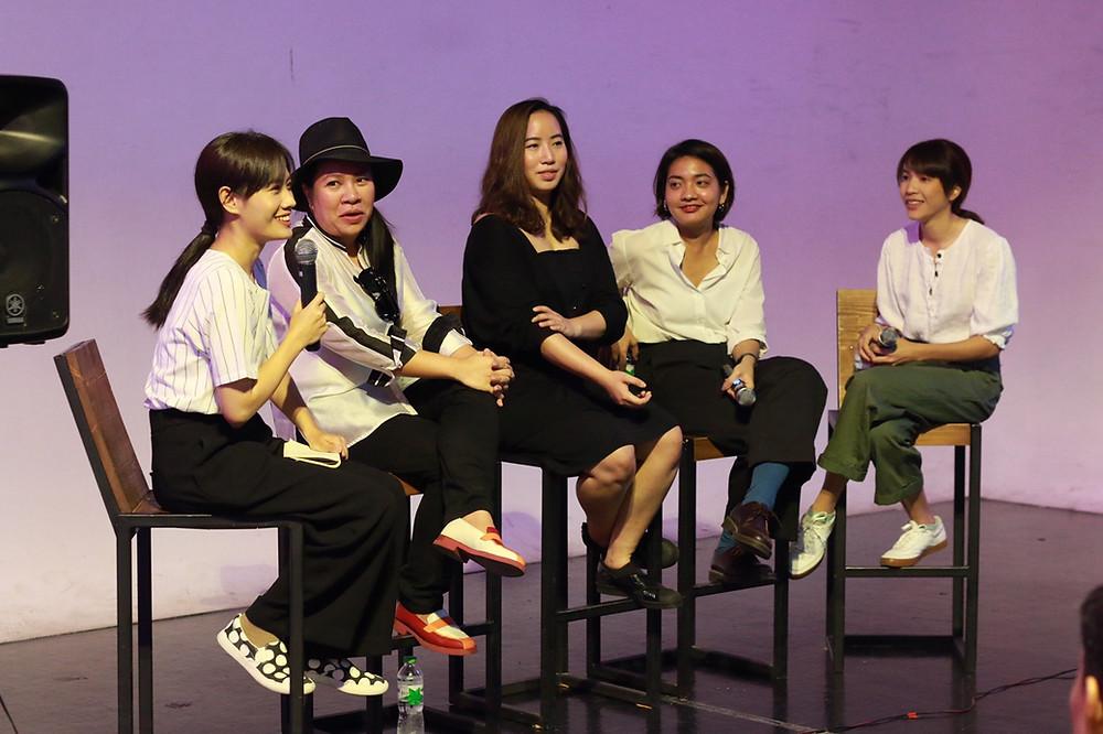 (Left to right) Yanin Pongsuwan, Tanwimon Onpapleaw, Kornpat Pawakranond, Puangsoi Aksornsawang, Chantana Tiprachart