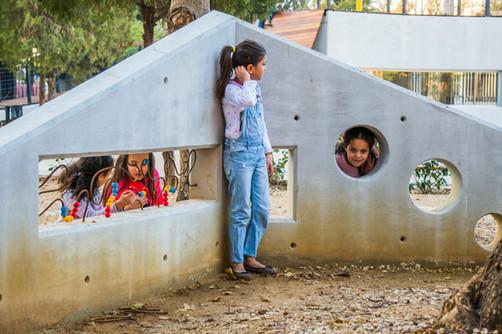 Karantina play garden : play wall