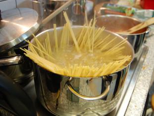 Spaghetti mit Bolognesesauce & Gemüsesauce