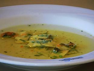 Suppe mit Kräuterflädle