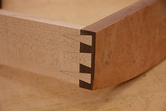 Dovetail joinery for the Murphy bed