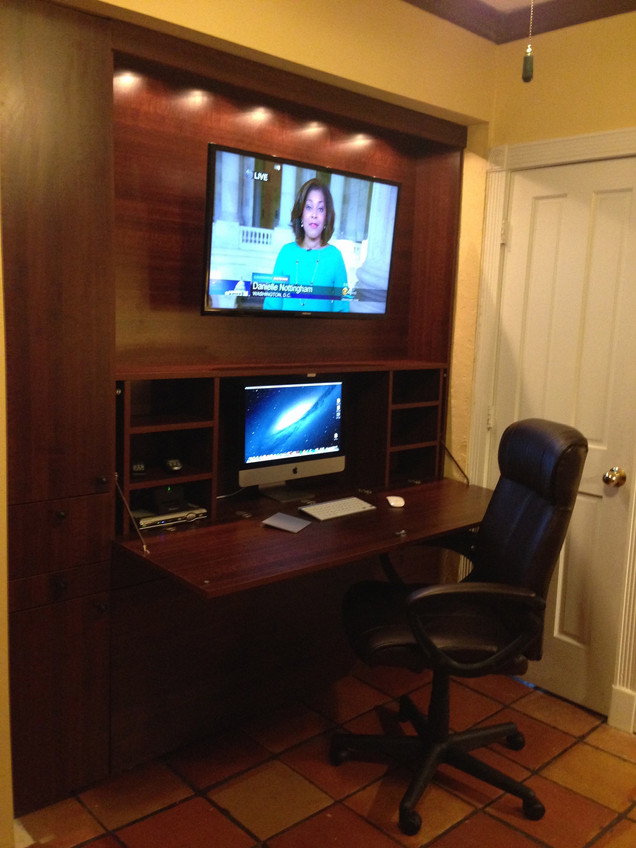 Perfect Your Home Office With a Retractable Zoom Desk Bed