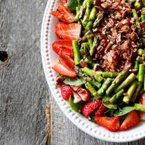 Strawberry, Asparagus & Crispy Pancetta Salad