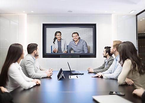 MeetingEye 400 Scenario Picture-min.jpg