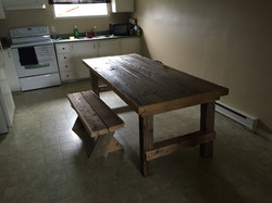 Table reclaimed barn wood