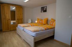 Doppelschlafzimmer.jpg