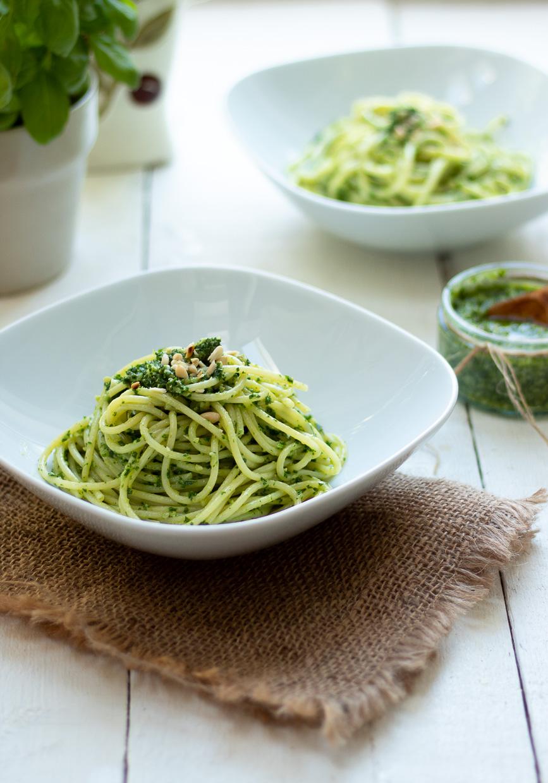 Spaghetti con pesto di kale