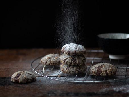 Cookies al cioccolato, noci pecan e banana