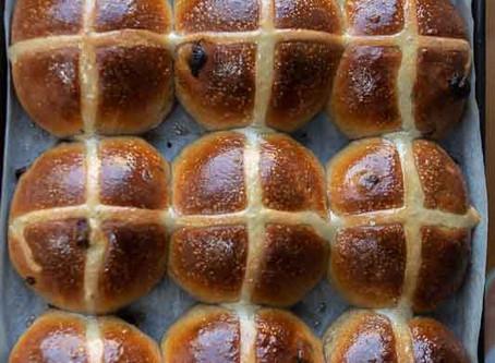Hot cross buns con licoli