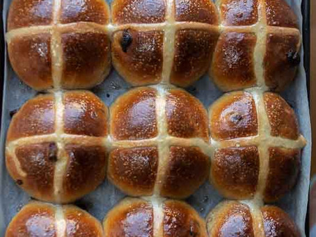 Hot cross buns con licoli