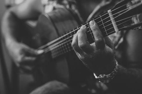 guitar-2428921_1920.jpg