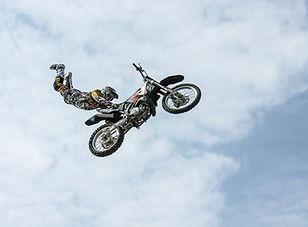 biker-384921_1920.jpg