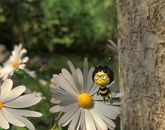 Bee%204_edited.jpg