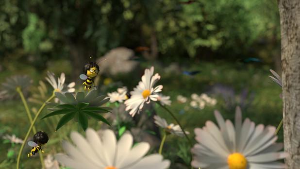 Bee 3.jpg