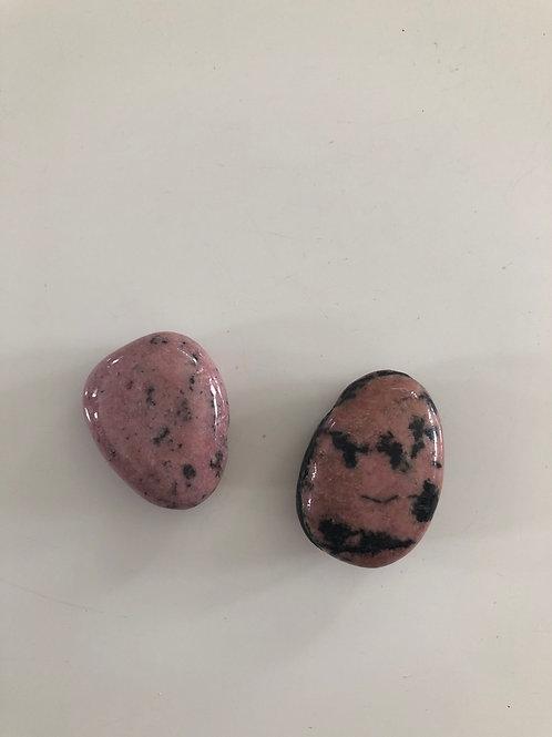 Pendentif pierre percée en rhodonite