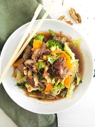 Wok de boeuf thai - légumes et nouilles ou pas...
