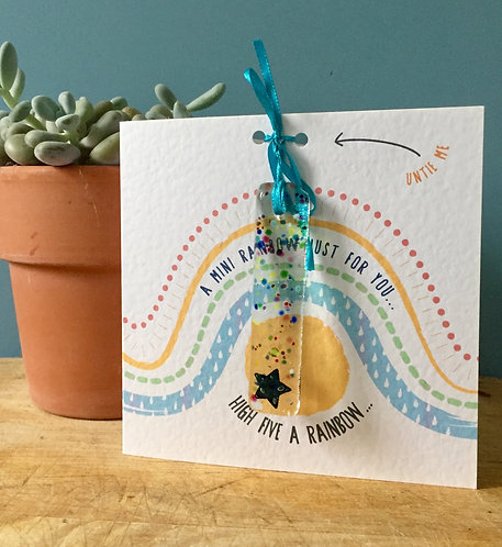 High Five a Rainbow ( sun)  Present Card