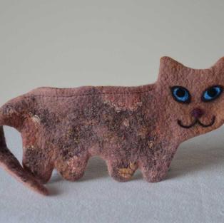"""""""Milky Cocoa"""" cat purse"""