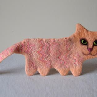 """""""Peach"""" cat purse"""