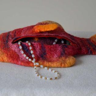 """""""Carribean"""" fish purse"""