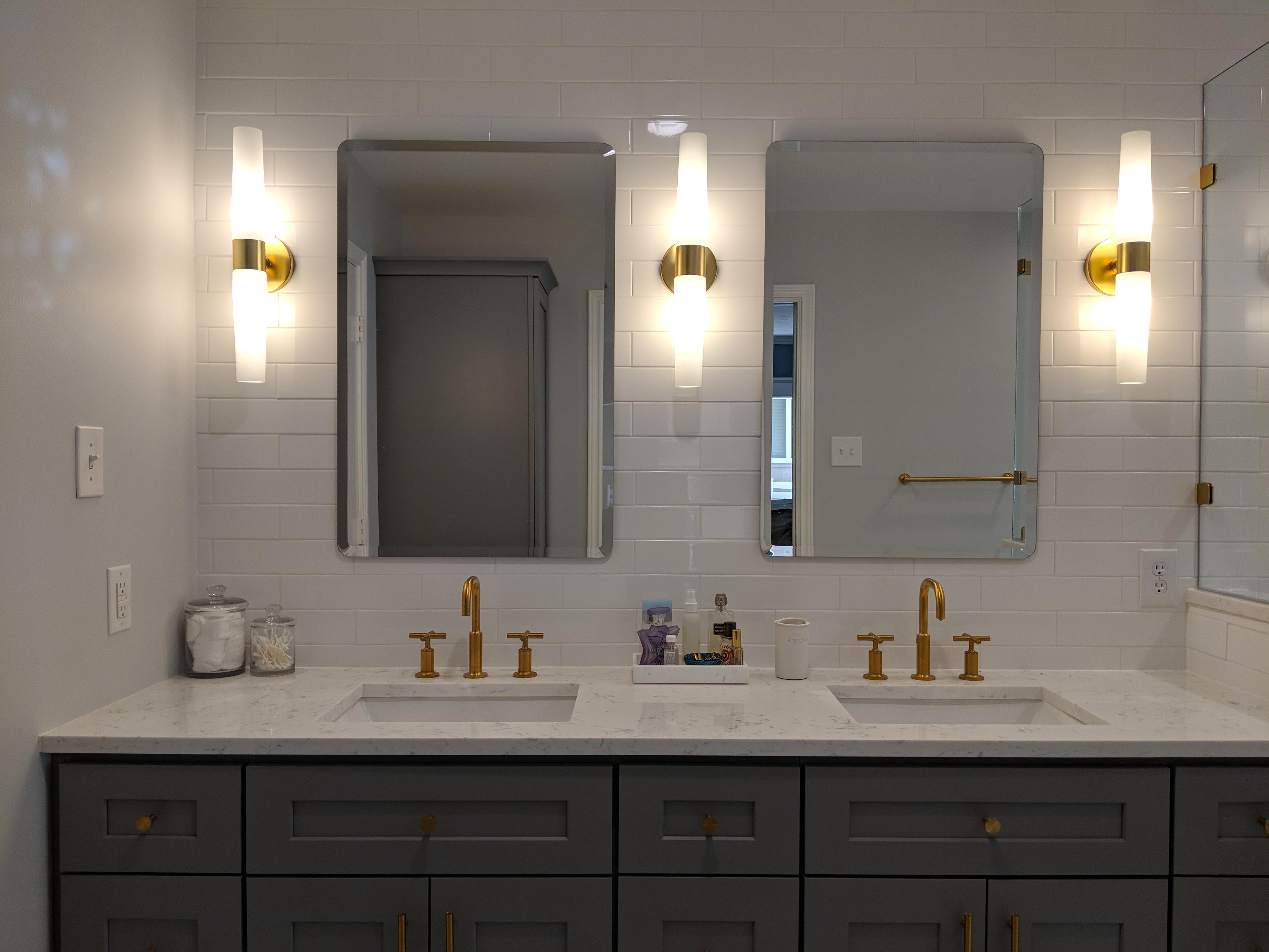 La Cosa Master Bathroom