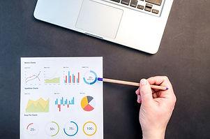 charts-data-desk-669621.jpg