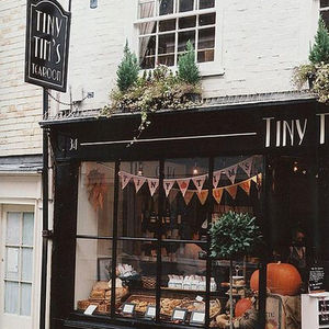 The latest trend: Tiny cafes, coffee stands, & mini bars