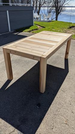 Table en cèdre