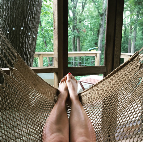 Chillax in the Trailside Treehouse