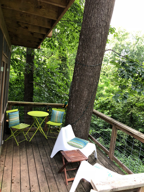 Trailside Treehouse Deck Overlooking Richmond's Trails