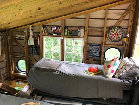 Treehouse Bunkbed Life