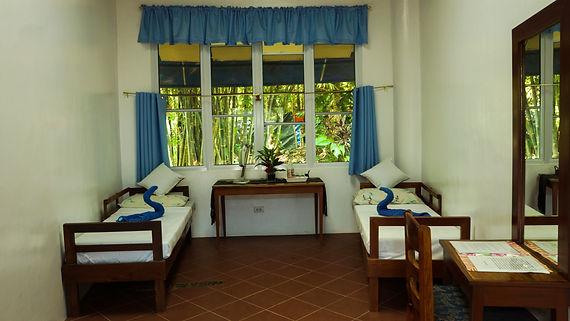 Mirisbiris fan room, set up for 2