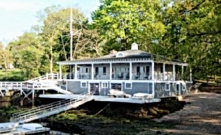 Horseshoe Harbor Yacht Clubhouse Larchmont, NY