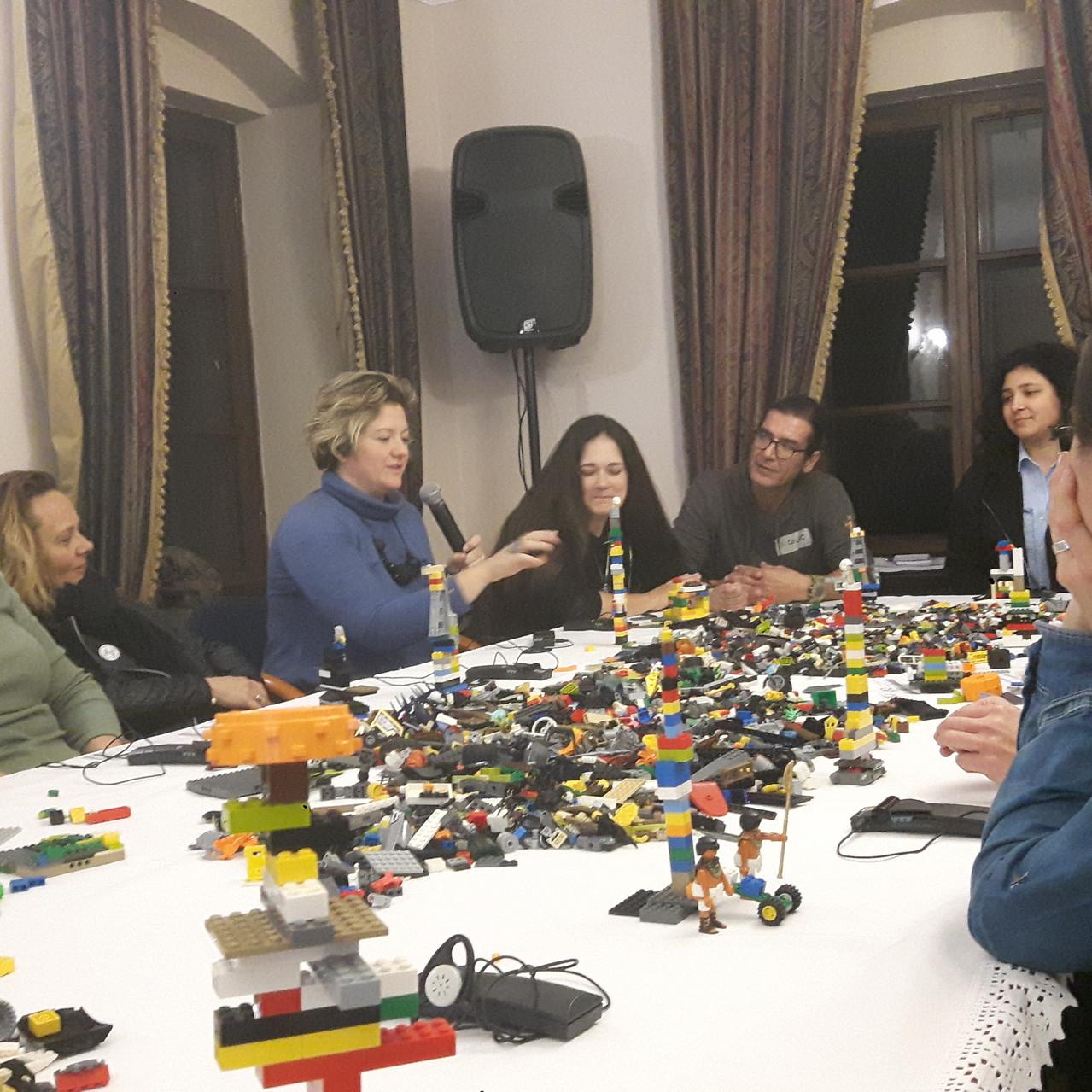 6 LEGO igra svi