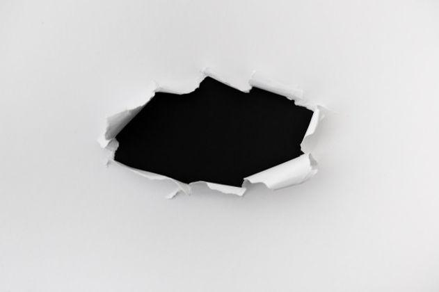 papel-rasgado-com-espaco-para-texto-sobr