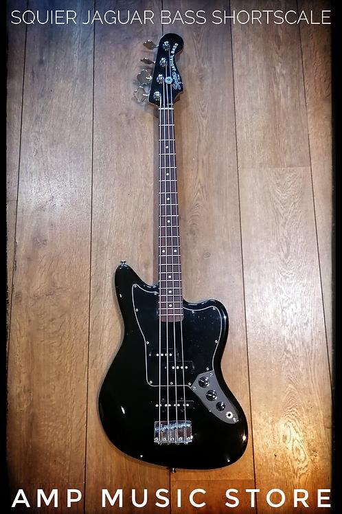 Squier Jaguar Bass short scale