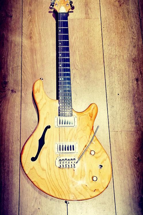 Shine SIL-410 Semi Hollow guitar
