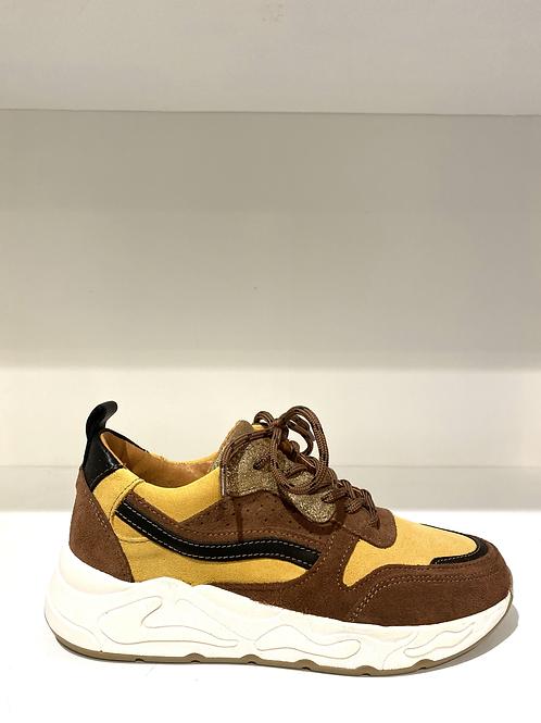 Juul & Belle sneakers