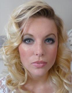 mobile Makeup artist service